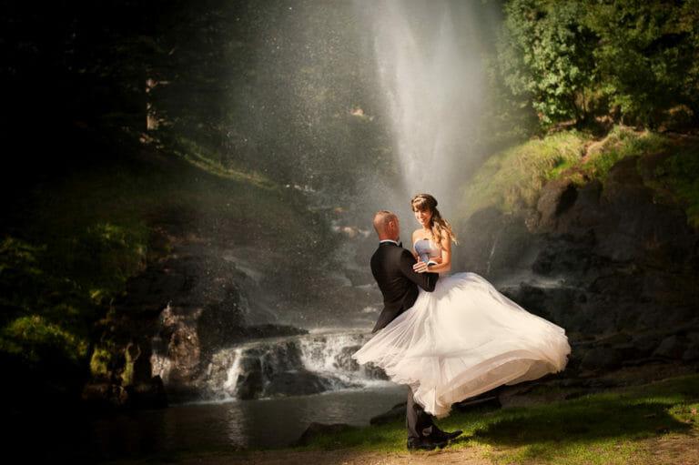 Séance photo de couple au lac Saint- Ferréol